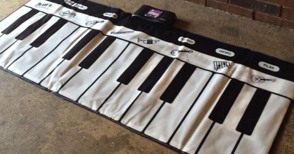 Giant interactive piano mat