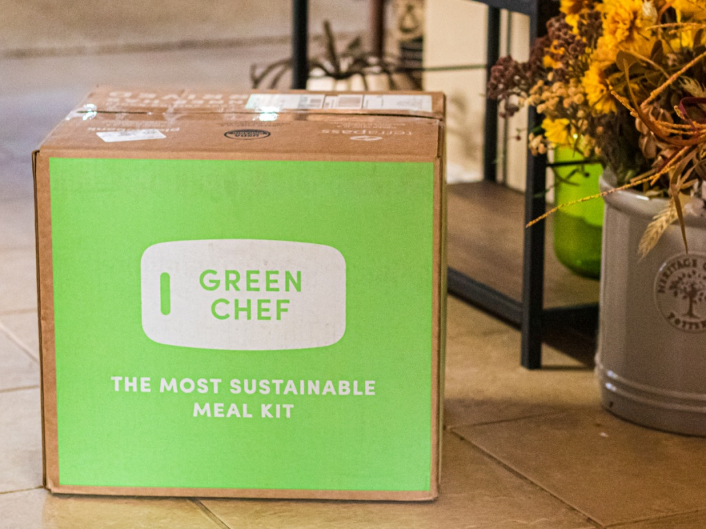 large green chef meal kit box