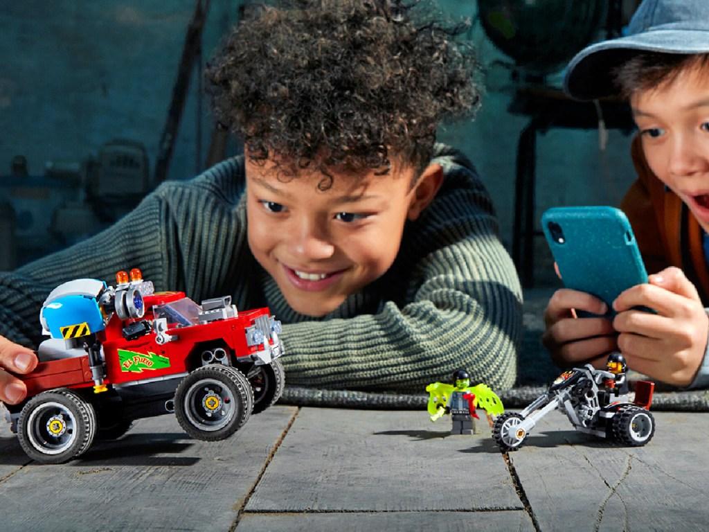 LEGO Hidden Side El Fuego's Stunt Truck AR Building Kit