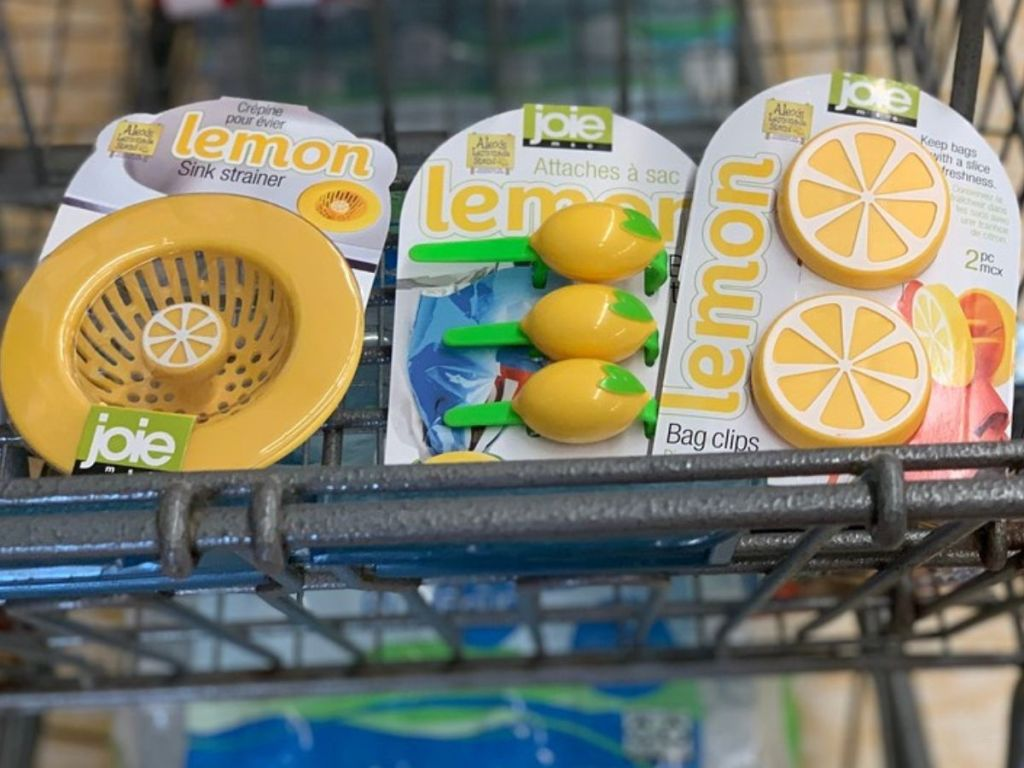 shopping cart with lemon shaped sink strainer and bag clips