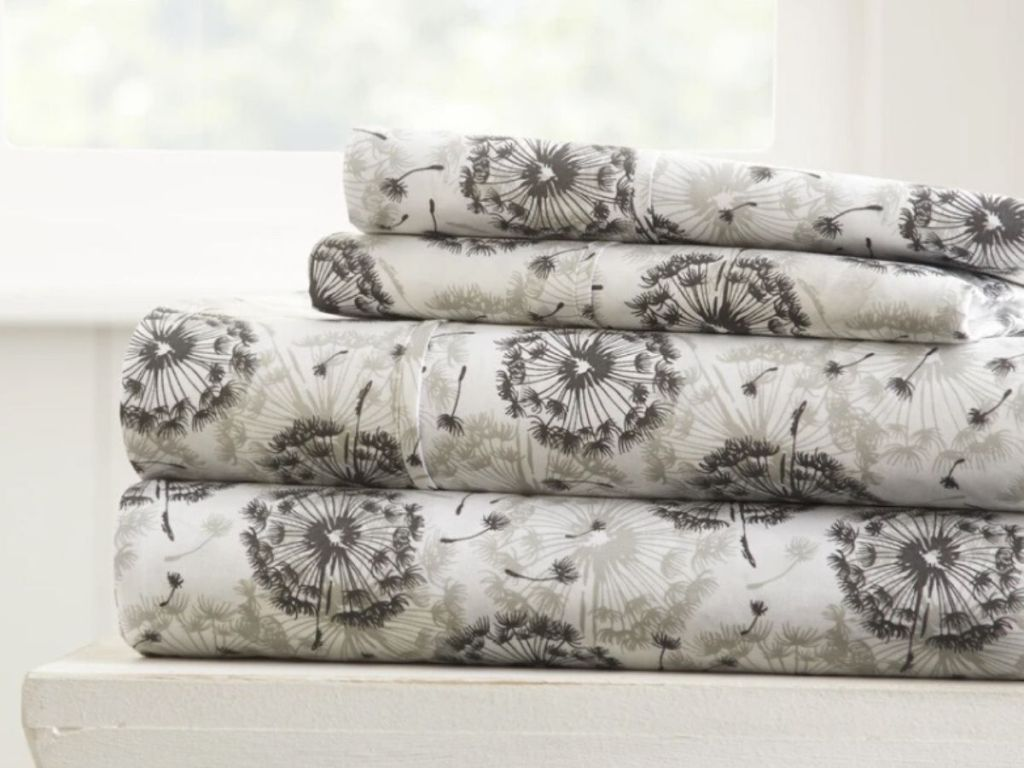 four piece patterned sheet set