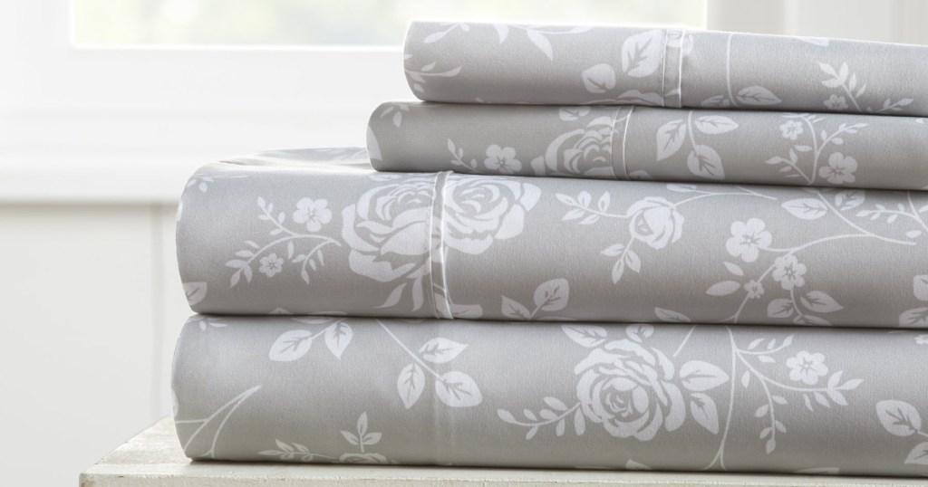 Rose Gray Patterned 4-Piece Sheet Set