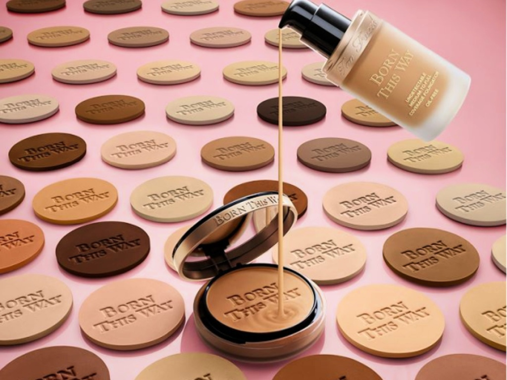 Too Face Born This Way Undetectable Powder Foundation