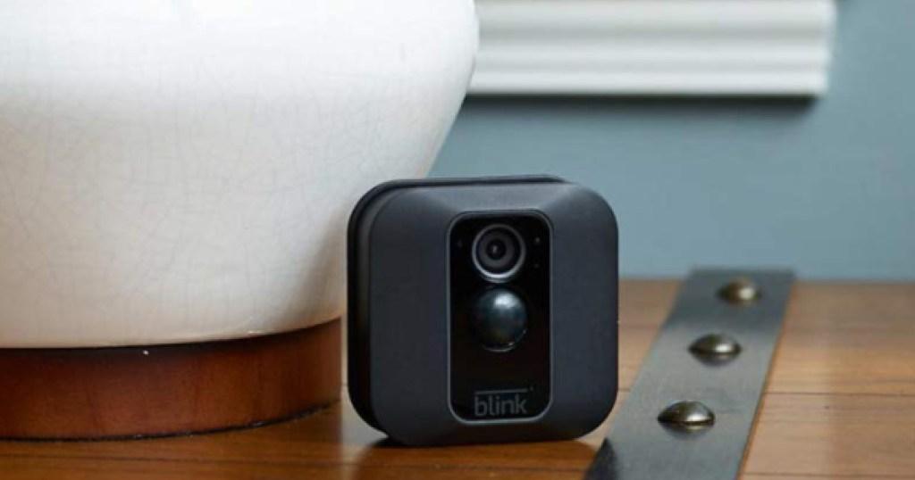 blink security camera on desk