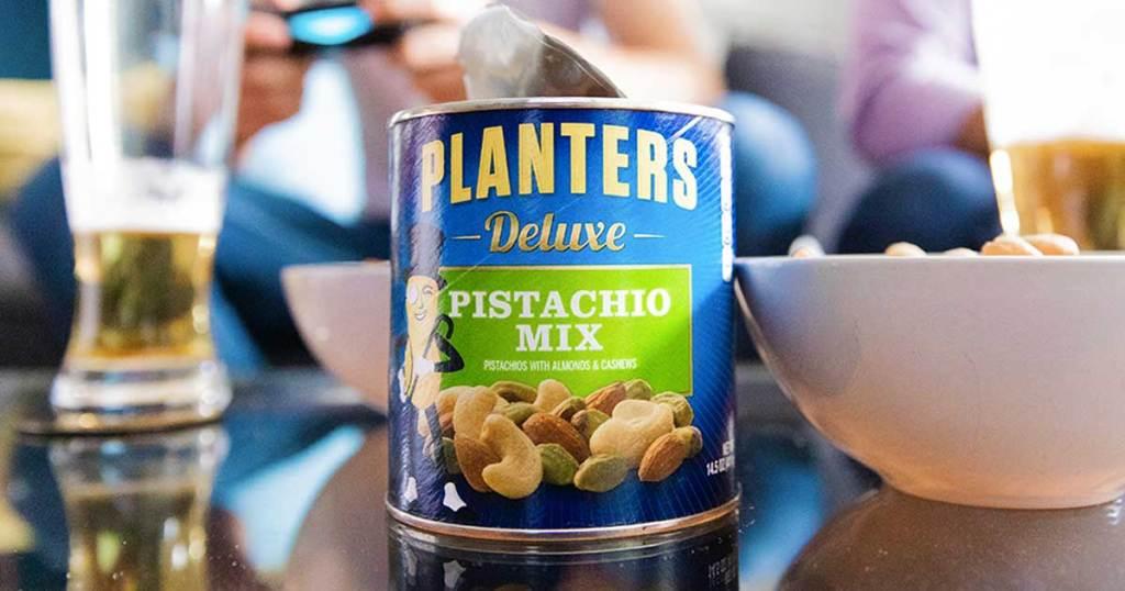planters deluxe pistachio mix