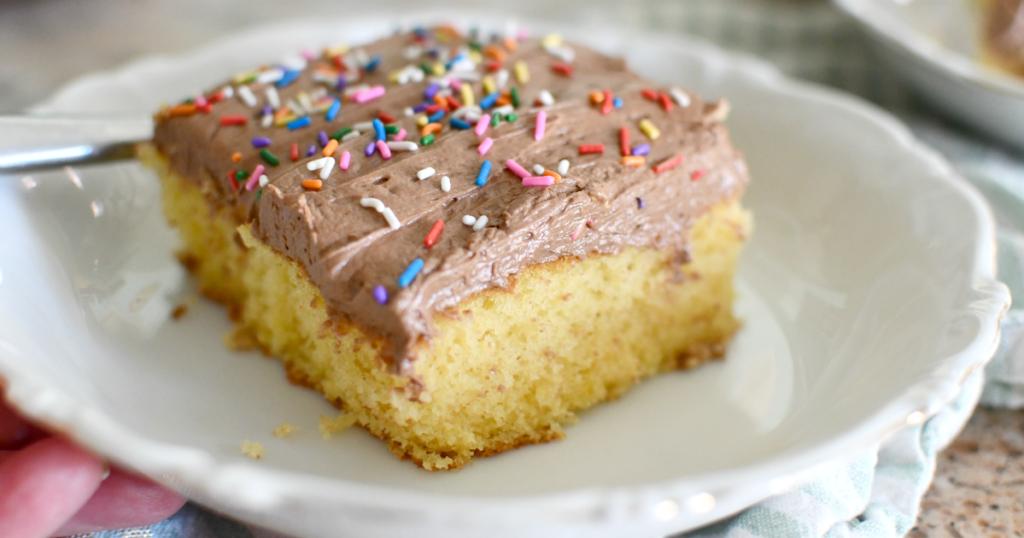 up close slice of boxed cake slice using hacks