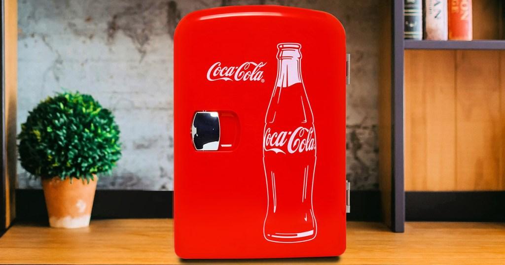 Classic Red Coca Cola 6-Can Mini Fridge