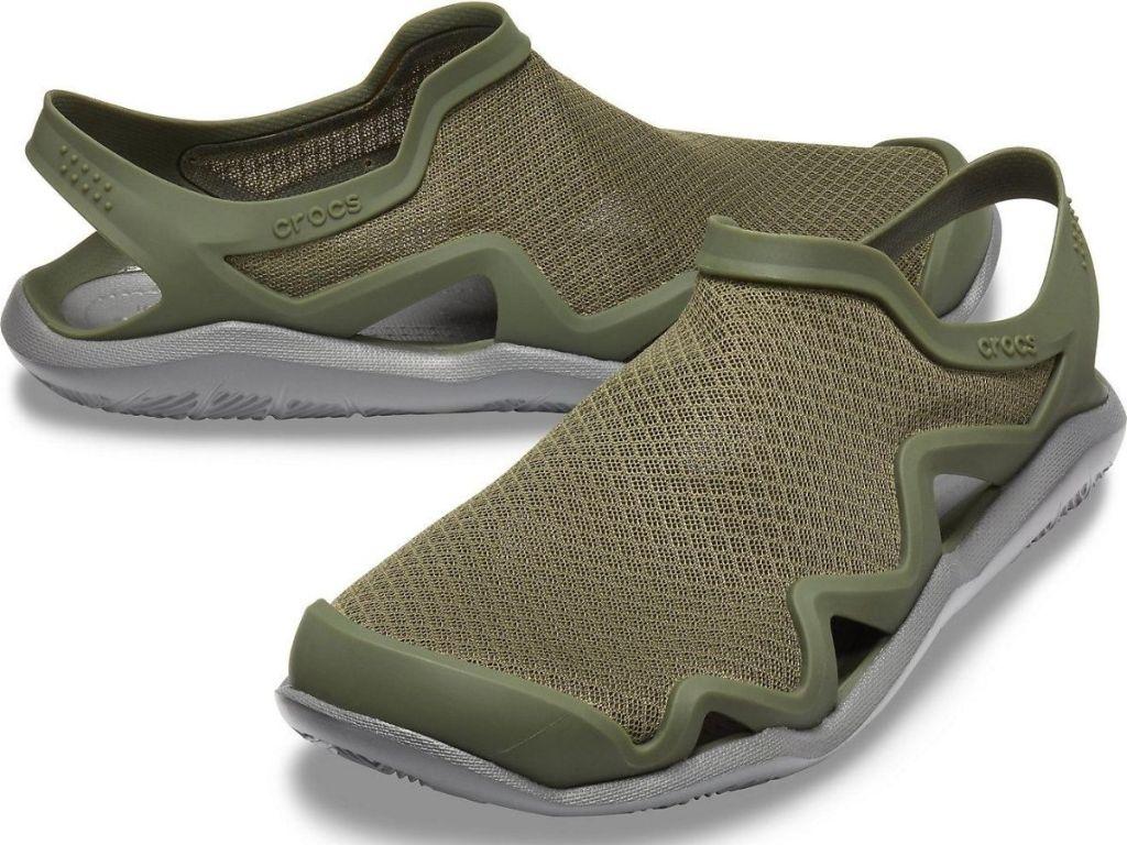 mens crocs water shoes