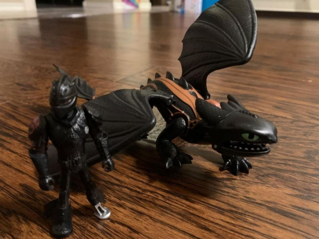 how to train your dragon action figure with knight and dragon