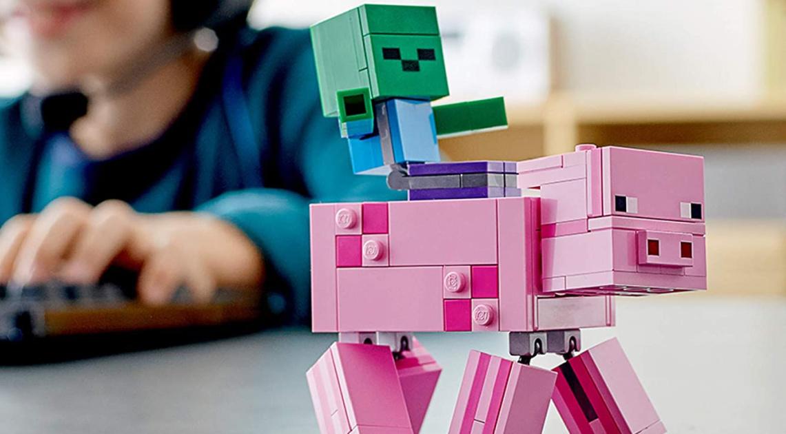 lego Minecraft Pig BigFig and Baby Zombie