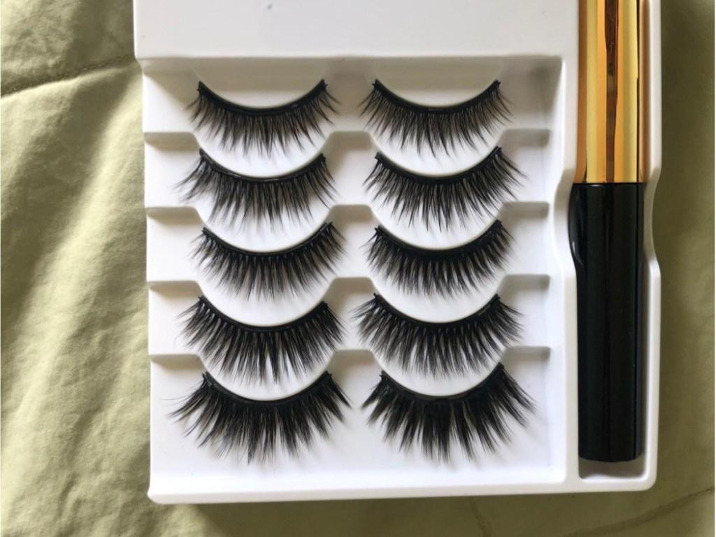 close up of Lorchar Magnetic Eyelashes 5-Pair Set with Eyeliner