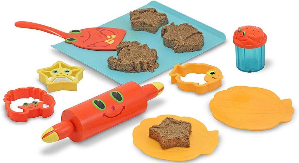 sand toys set that looks like baking utensils