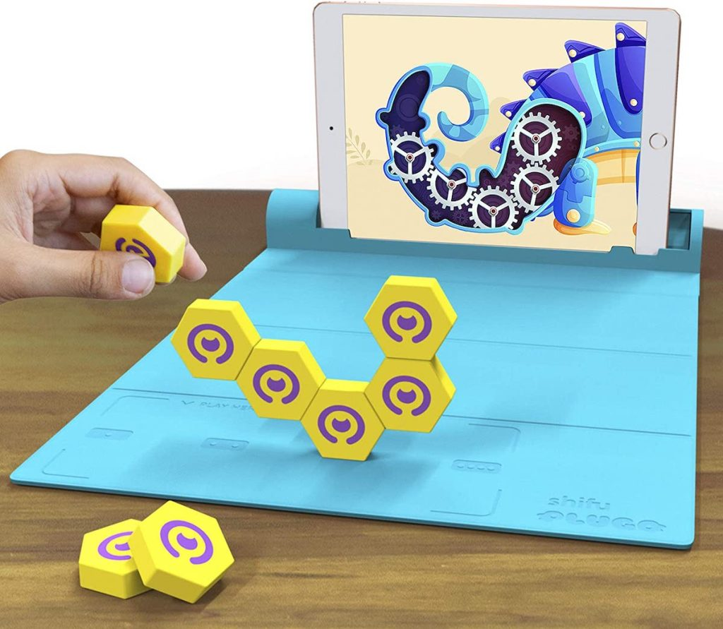 ipad with Plugo Link Construction Kit with Puzzles & Augmented Reality