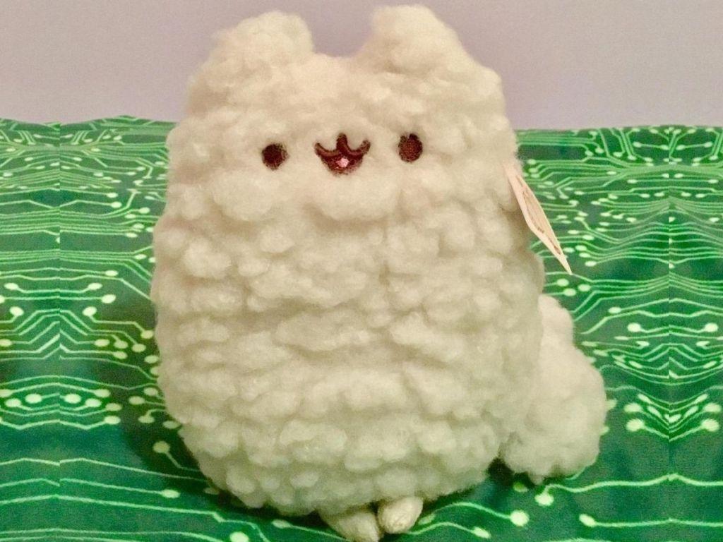 Stuffed cat toy