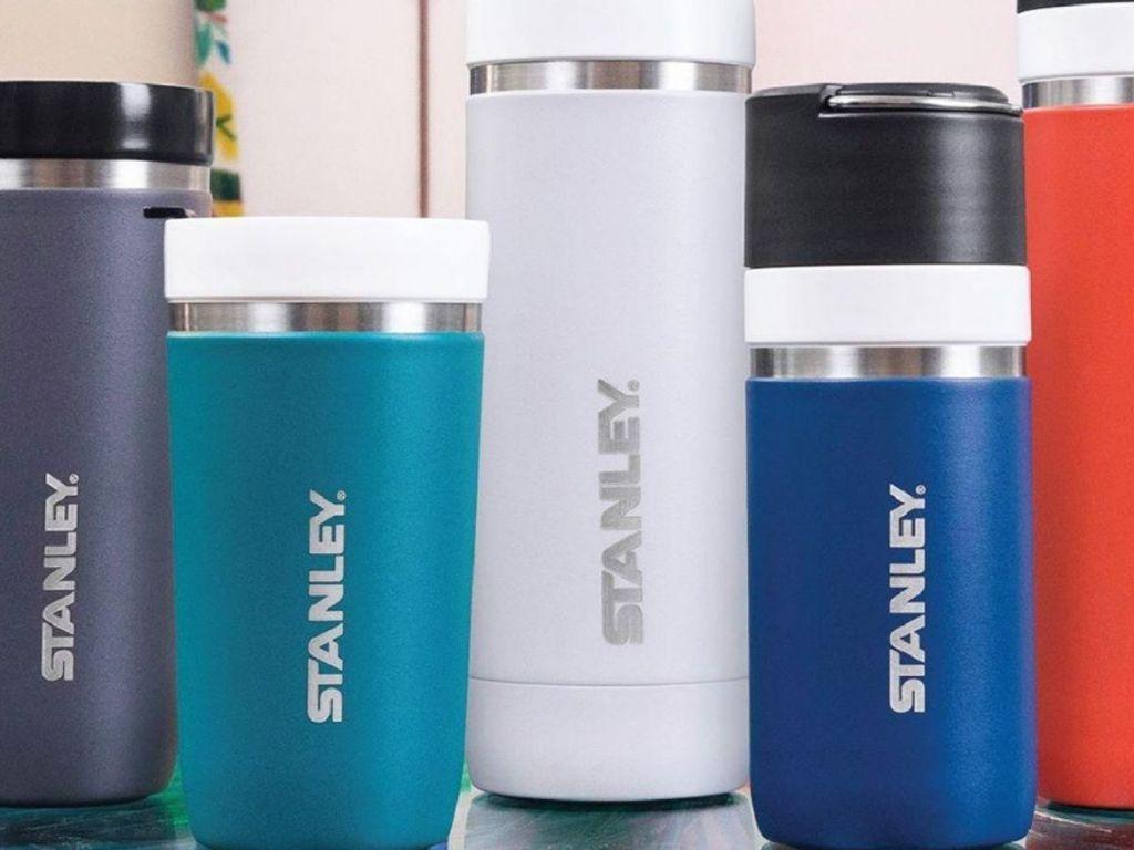 5 reusable water bottles in varying sizes
