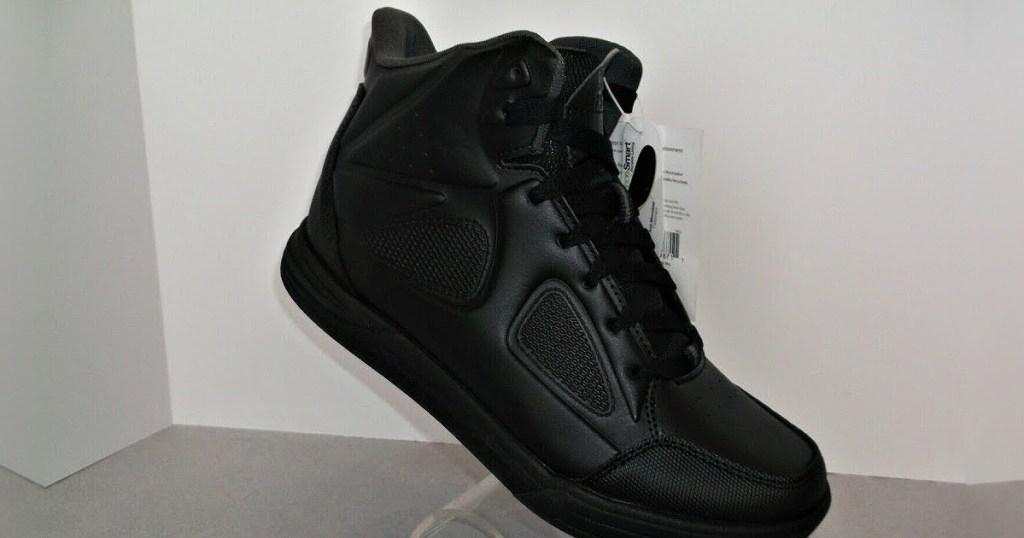 men's black work shoe