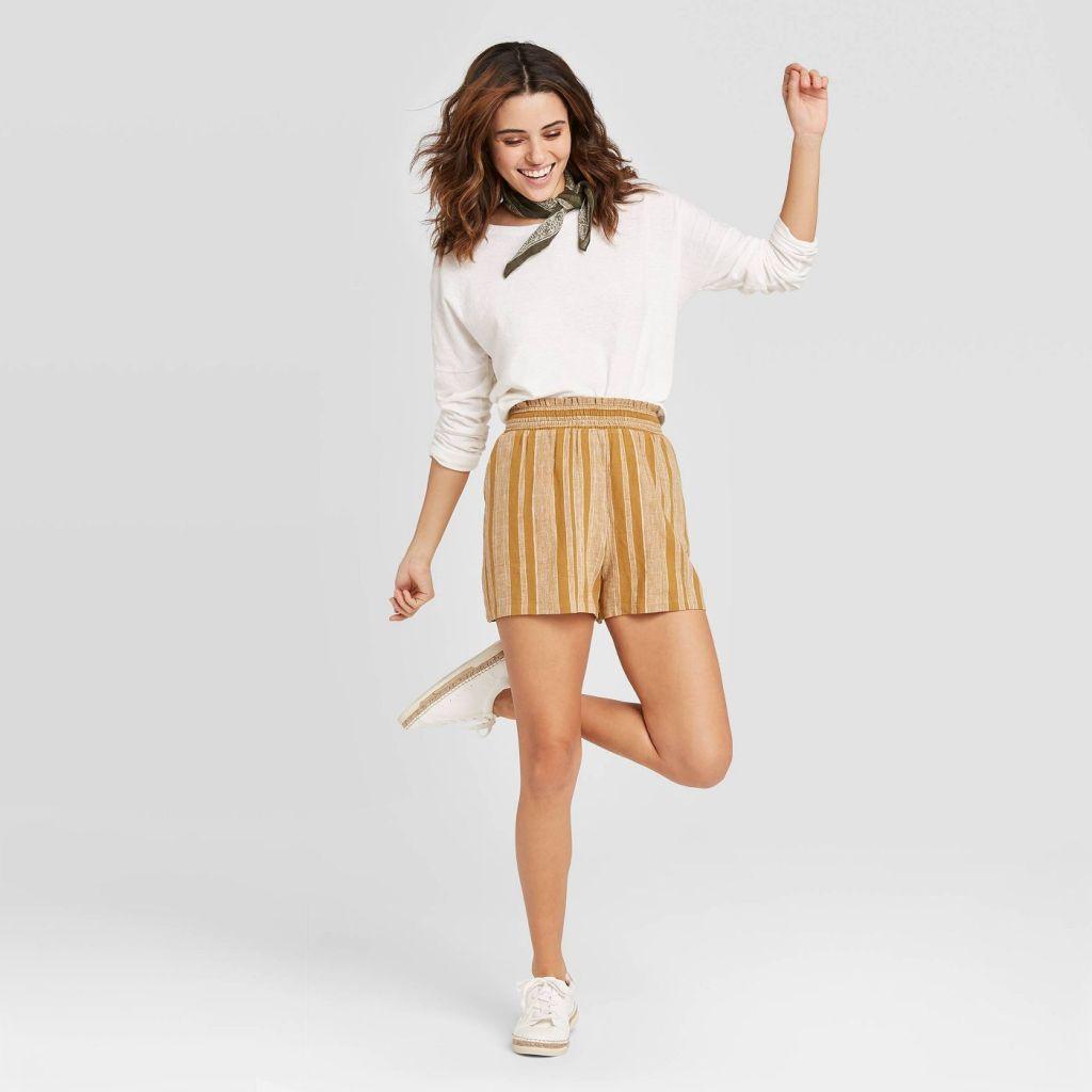 Women's Universal Thread Shorts