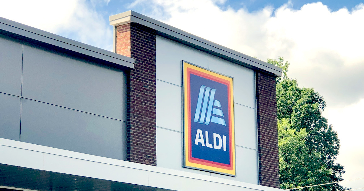 aldi shopping tips aldi store front with sign on building