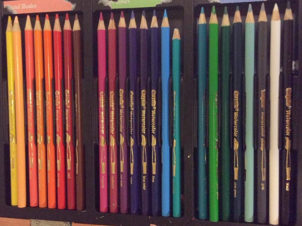 set pf colored pencils
