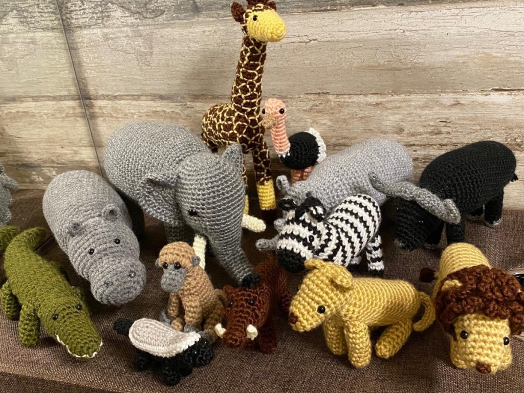 little animals made from yarn