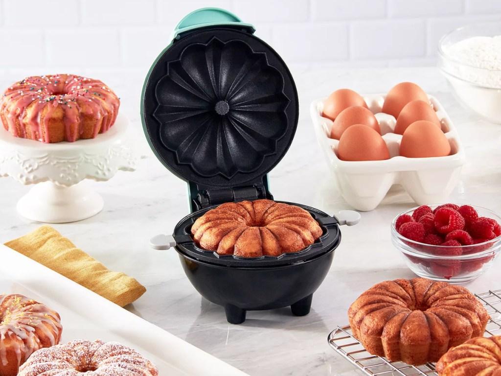 dash bundt maker with bundt cakes