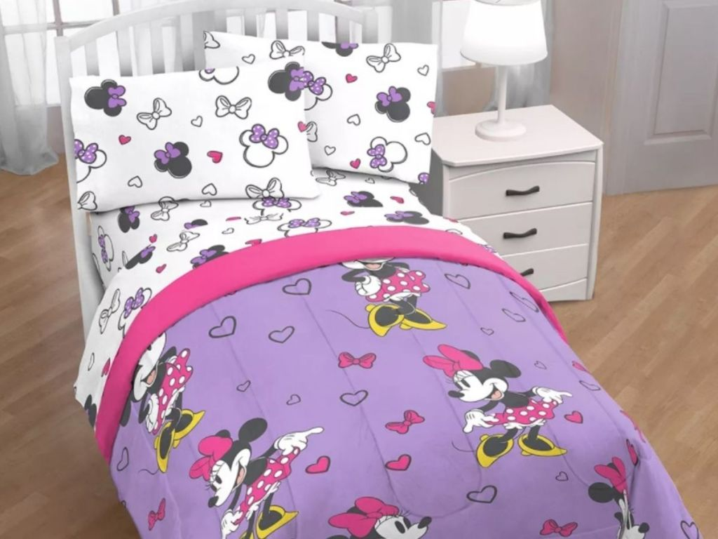 Disney Minnie Mouse bed in a bag set