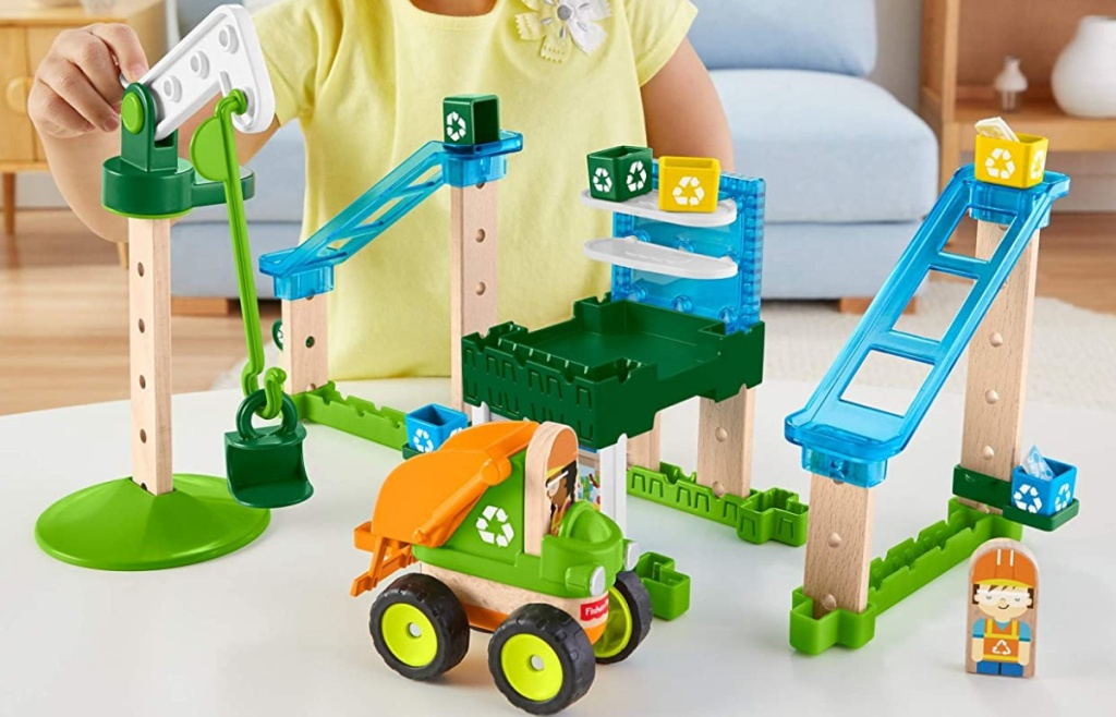 Fisher-Price Wonder Makers Design System 35+ Piece Lift & Sort Recycling Center
