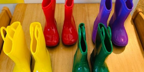 Kids Rain Boots Only $9.99 on Zulily.com | Includes Glitter & Light-Up Styles