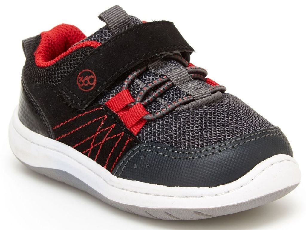 black and red boys stride right sneakers