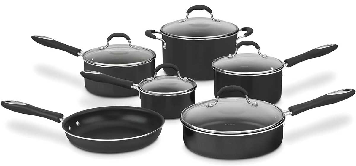 stock image of a black enameled pot and pan set