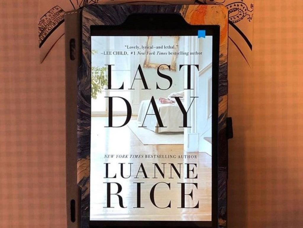 couverture du livre Last Day affichée sur l'écran du Kindle