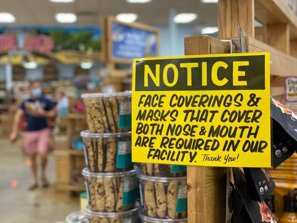 sign requiring masks at Trader Joe's