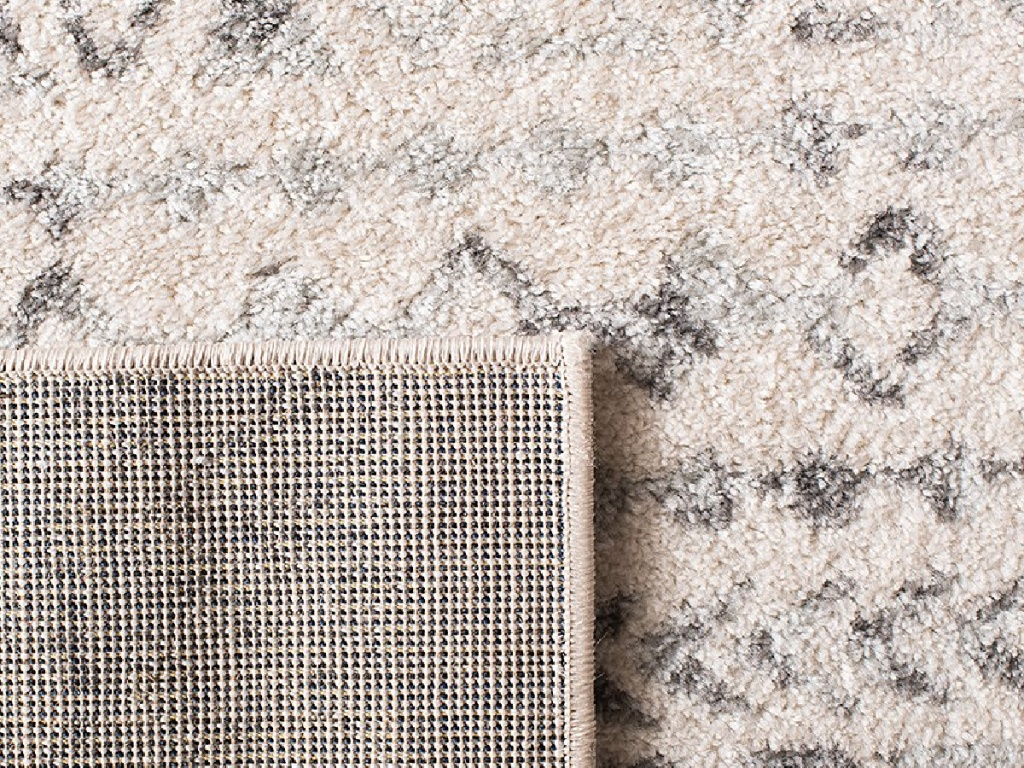 safavieh tan and cream colored rug