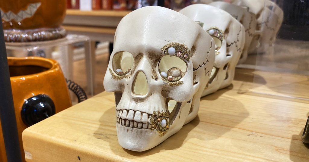 skull halloween candle holder from yankee candle
