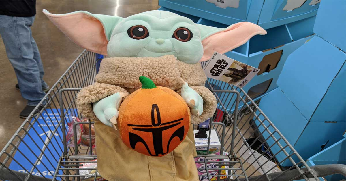 star wars mandalorian with pumpkin