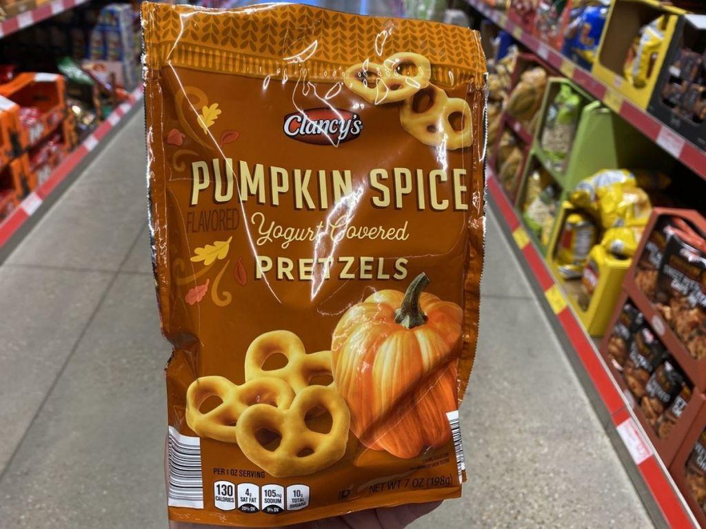 Pumpkin Spice Pretzels