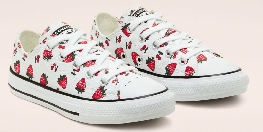 kids low top converse shoes with strawberry print