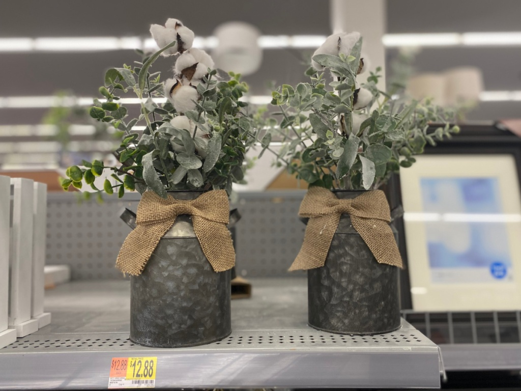 galvanized tin with cotton and burlap bow