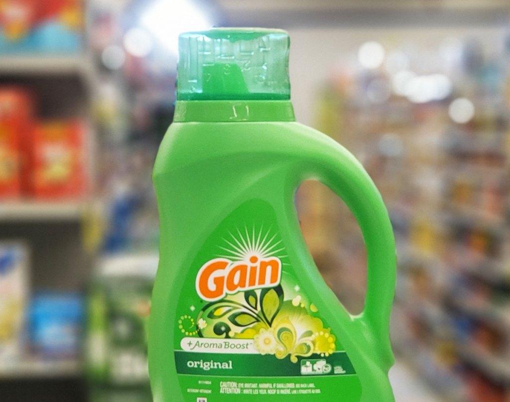 green bottle of gain liquid laundry detergent