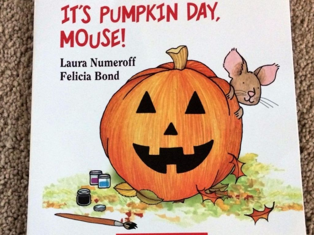 It's Pumpkin Day Mouse! Book