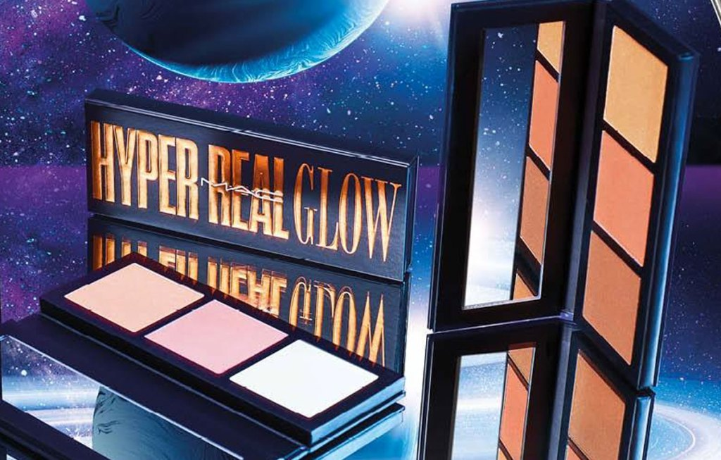 mac highlighting palettes on mirrored surface with moon and stars in background