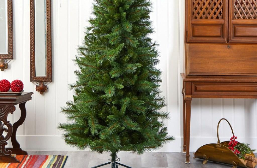 green unlit christmas tree