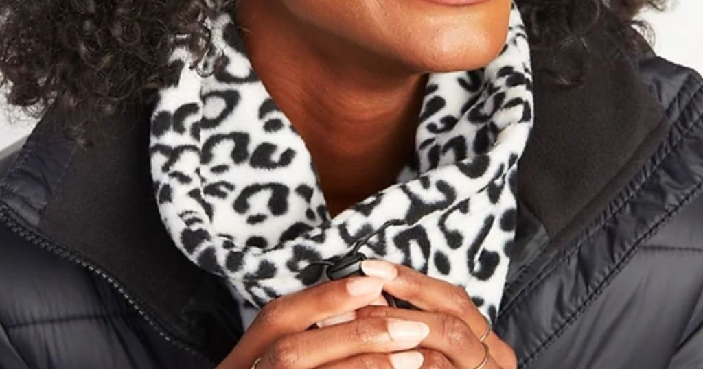 Old Navy leopard snood on a lady with hands