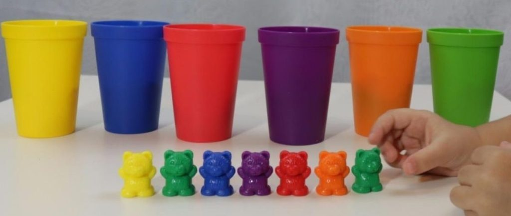 Skoolzy Bear with sorting cups toy
