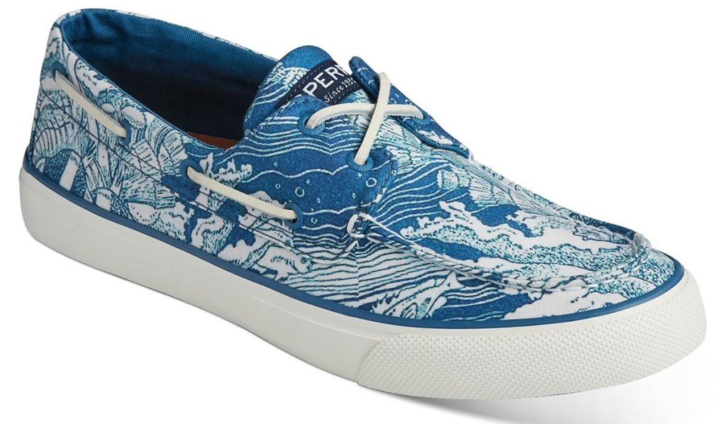 white and blue waves print men's sperry boat shoe