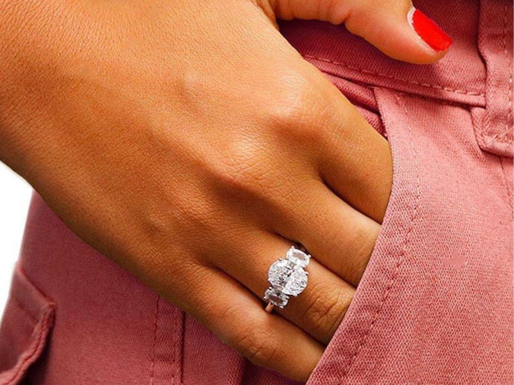 women's tri-stone swarovski crystal round cut ring