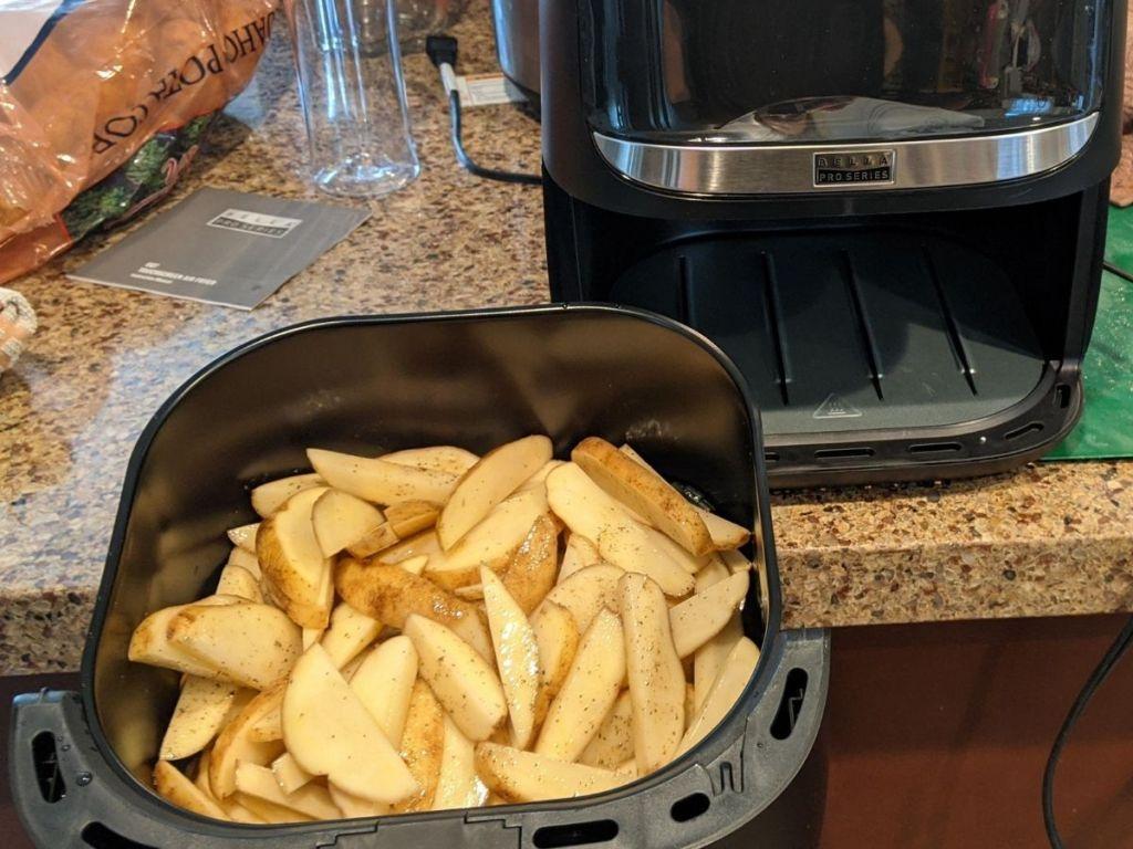 bella air fryer basket with fries
