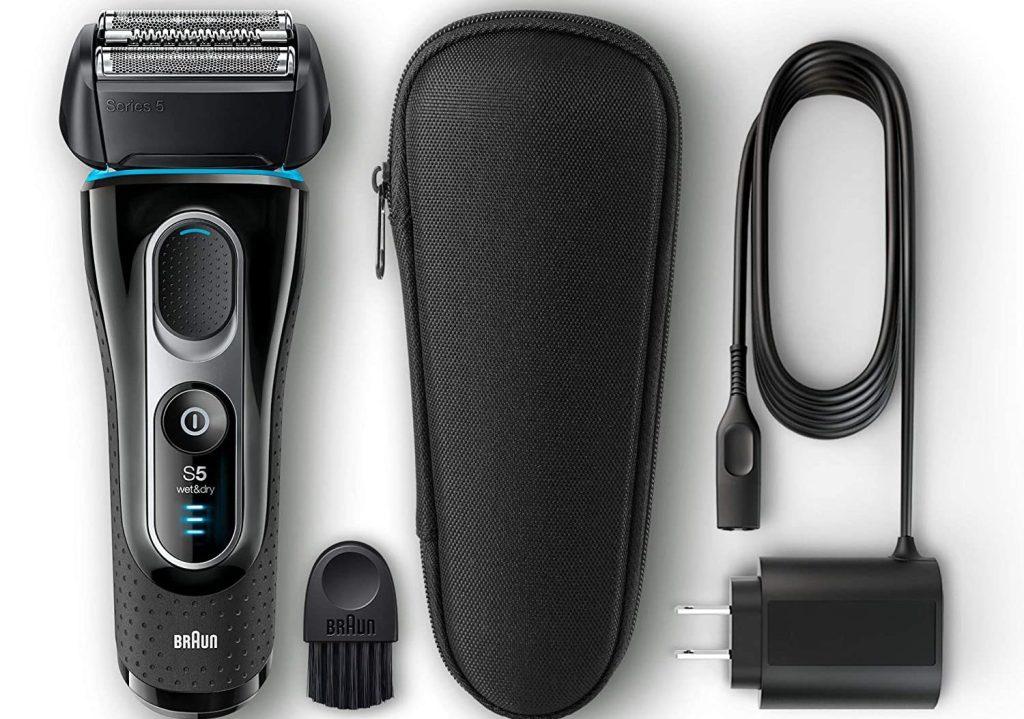braun razor with accessories