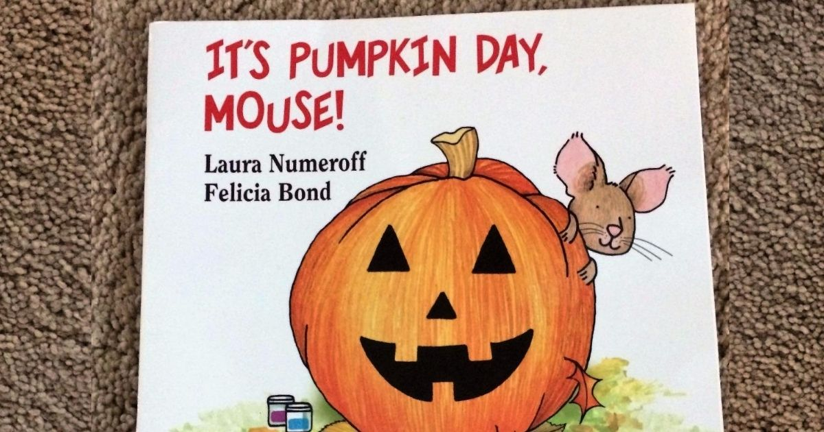 It's Pumpkin Day Mouse book