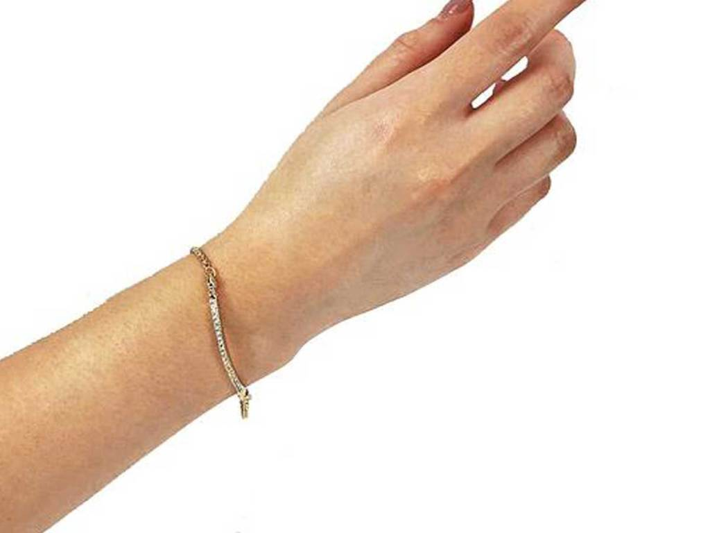 model wearing bracelet